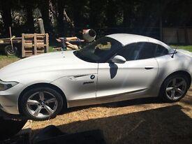 BMW Z4 2.5L 2010 WHITE £11,000 ONO