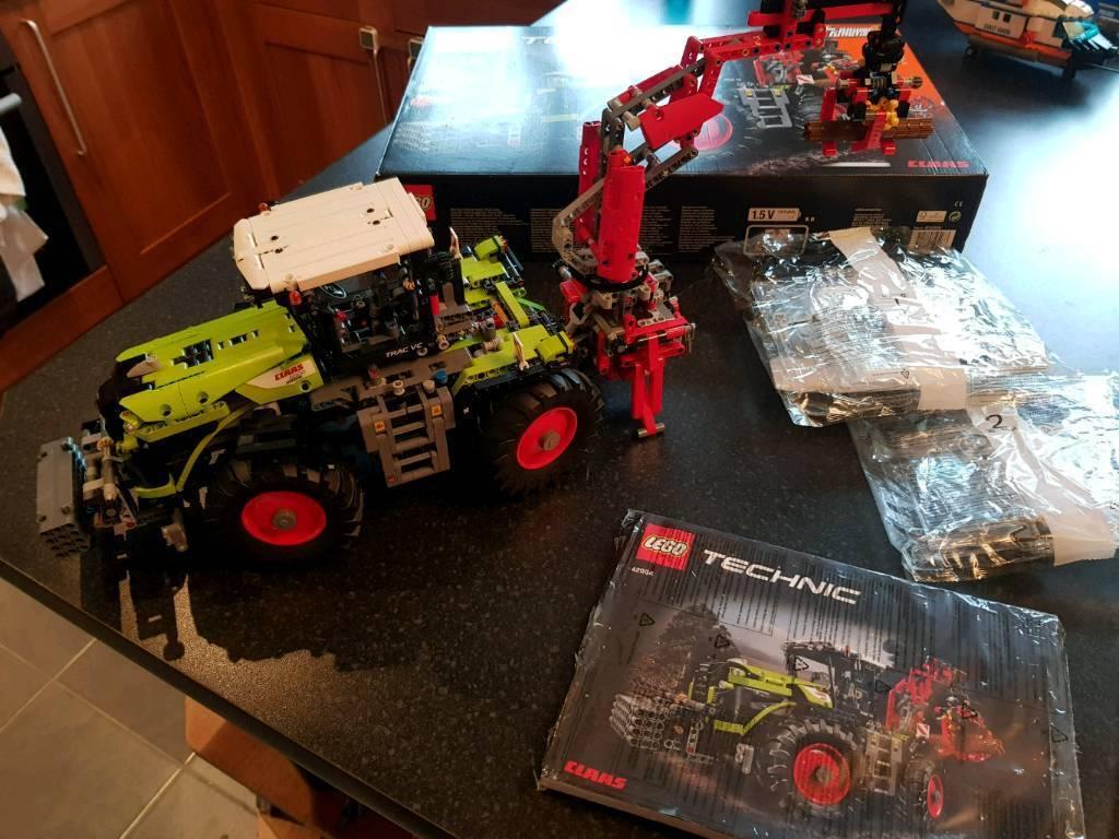 Lego technic Claas Xerion 5000 tractor