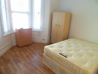 Nice and cozy double room to rent in Forest Gate (1min to station)