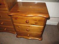 Pine bedroom furniture set: chest of draws, dresser, bedside cabinet, mirror