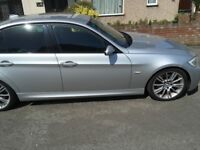 Full service history full leather seats plus 2 keys absolutely a wonderful drive