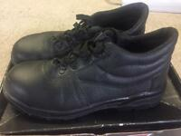 Safety Boots - never worn