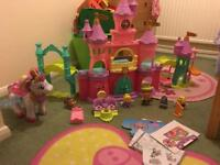Toot toot castle and magical unicorn with extra figures