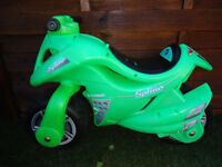 BALANCE BIKE MOTORBIKE EXCELLENT CONDITION AGE 3-7 CAN DELIVER