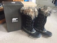 SOREL - WOMEN'S JOAN OF ARCTIC™ BOOT - SIZE UK 6.5 (Barely Used)