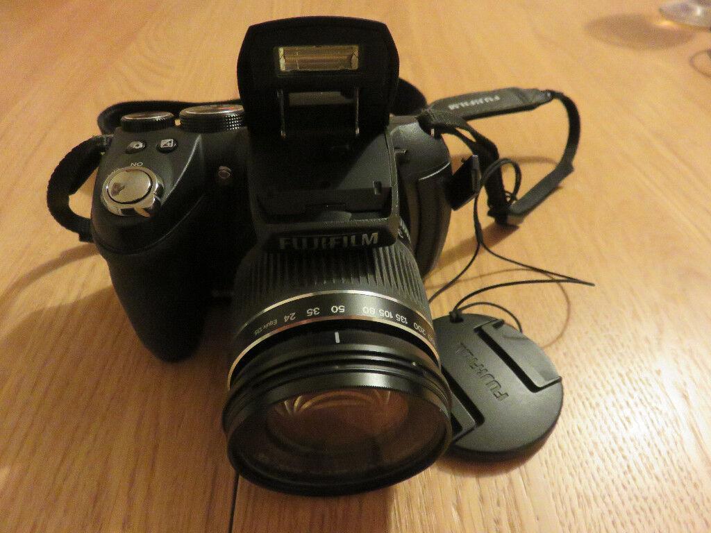 Fuji Finepix HS10 Digital Camera