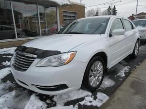 2011 Chrysler 200 LX 4 cyl. ÉCONOMIQUE