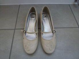 Per Una Shoe/Sandal