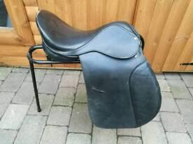 EquiTogg Dressage saddle