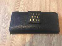 "Black leather ""fossil"" purse"
