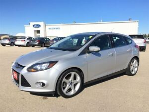 2012 Ford Focus Titanium Moonroof, Navigation, Power Driver Seat