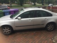 Volvo s40 1.6 petrol air con heated seats electric windows needs a little tlc lovely drive tho