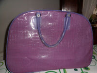 LADIES NEW LILAC SUITCASE CAN BE USED AS HOLDHALL OR SUITCASE