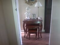 GORGEOUS DETAILED SHABBY CHIC, ORNATE SIDE, NEST OF TABLES, COFFEE TABLES