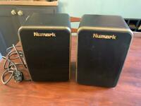 Newmark M-40 e monitor speakers