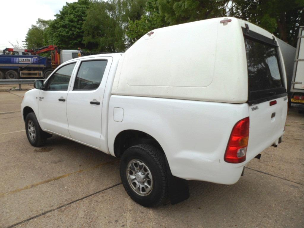 toyota hilux hardtop canopy truckman fits any hilux. Black Bedroom Furniture Sets. Home Design Ideas