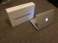 macbook air 1466 13.3 inch 2017 8g ram 256ssd great condition with box n charger bought
