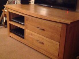 Tv unit medium oak. Lovely condition.