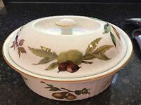 Royal Worcester evesham casserole dish with lid