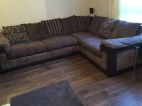 Sofa for sale - £250 - 5 seater corner suite in Brown