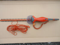 FLYMO EASICUT 600XT HEDGE TRIMMER, EXCELLENT CONDITION.