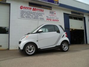 2014 smart fortwo pure,  Incredible mileage, Well equipped