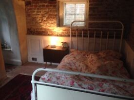 Lovely room to rent in an historical house short term let