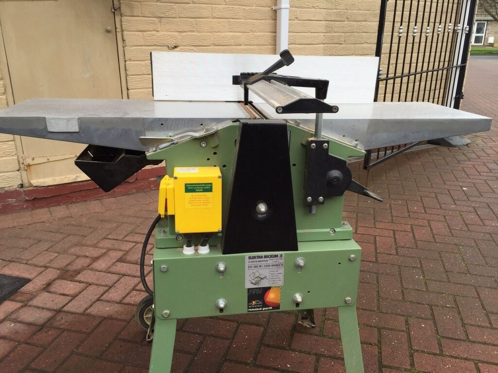 Editor's Note: Here's an email we received recently from new Woodmaster owner, Jim Medeiros. With a big dose of tongue-in-cheek humor, Jim told us what was WRONG with his old 12″ planer and what's RIGHT about his brand new, 25″ Woodmaster Molder/Planer.