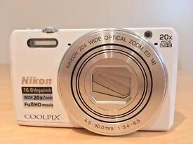 Selling brand new Nikon S7000