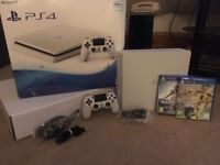 White Sony PlayStation 4 500gb boxed like new