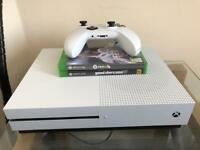 Xbox one s 500GB Mint condition + 2 games