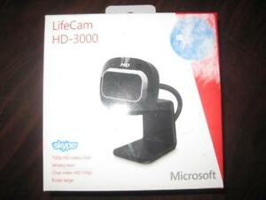 Microsoft LifeCam HD-3000 Webcam with Mic. USB. Noise Reduction. For Computer / Laptop / Macbook / Skype / Surface