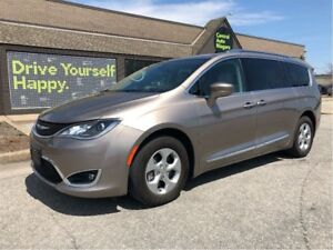 2017 Chrysler Pacifica Touring-L Plus / LEATHER / DUAL DVDs / BL