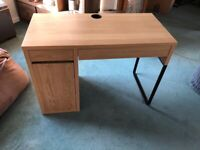 Ikea Malm Desk Oak Veneer Mint condition