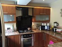 ***3/4 BEDROOM NEWLY DECORATED/CARPETED HOUSE Nr CITY CENTRE***