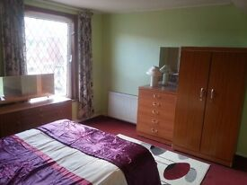 Huge Double room NO Agent fees or Council tax Fully furnished smart clean quiet professional house
