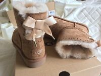 BRAND NEW DIXIE FLORA UGG BOOTS, SIZE 3.5