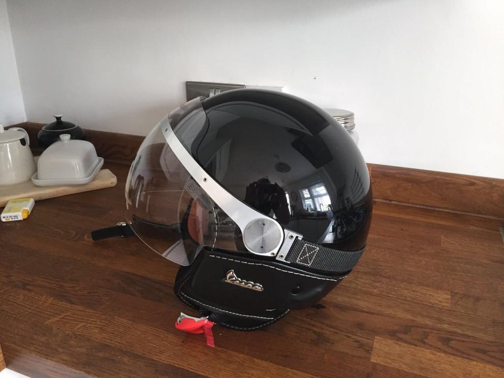 vespa granturismo helmet x 2 in portsmouth hampshire. Black Bedroom Furniture Sets. Home Design Ideas