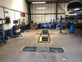 Snap on mot bay for pit one person test lane