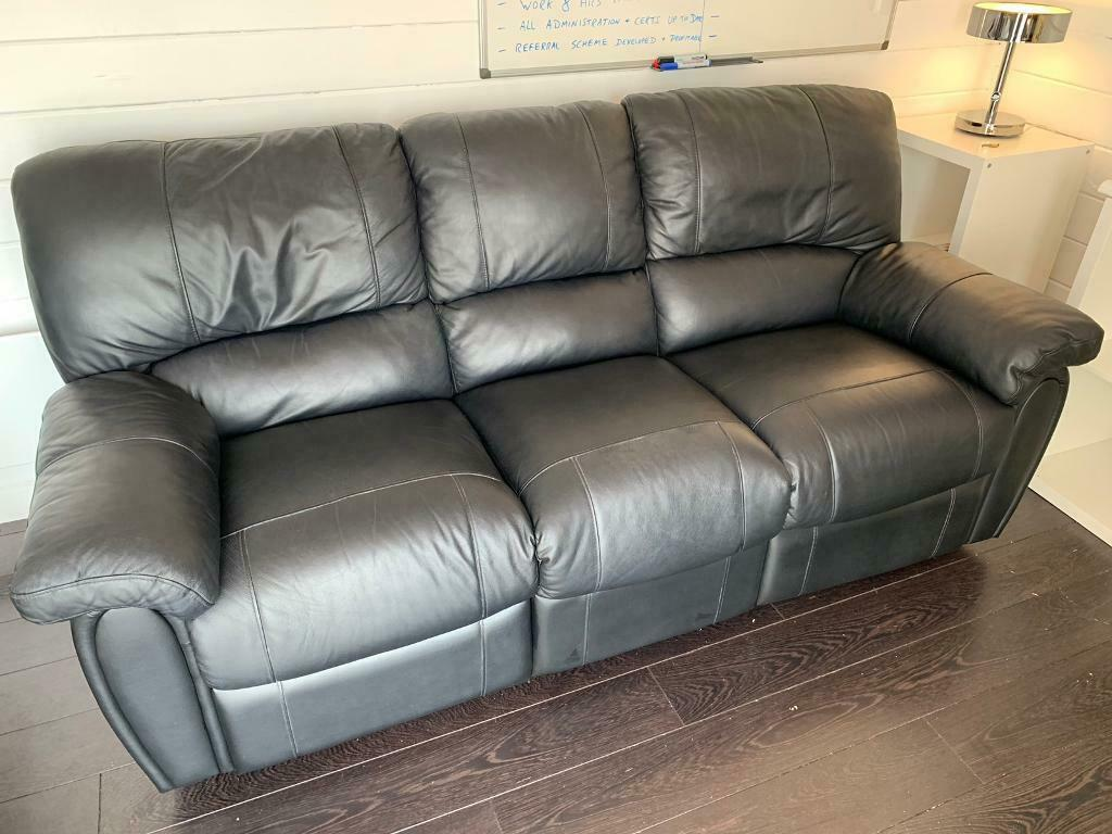 Stupendous Three Seater Recliner Sofa For Sale In Kilsyth Glasgow Gumtree Inzonedesignstudio Interior Chair Design Inzonedesignstudiocom