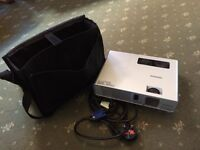 Hitachi CP-RX70 projector with Carrying case
