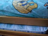 Child's trundle bed