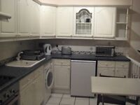Well presented furnished main door / ground floor flat, centrally located in Polwarth