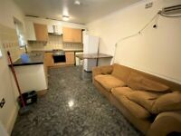 Good condition 3 Bedrooms with 2 Toilets and Bathrooms Maisonette in South Woodford --No DSS please