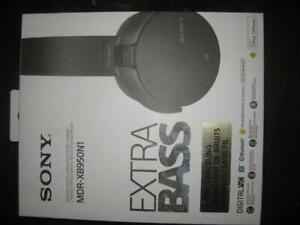 Sony Over Ear Noise Cancelling Wireless Headphones Headset Mic. Bluetooth. NFC. Extra Bass. Comfortable. 22 hour Battery