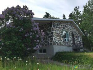 125 000$ - Bungalow à vendre à Ste-Anne-Des-Monts