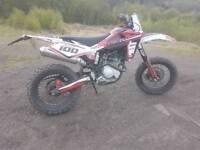HUSQVARNA 125 cc. 2013 road legal 4 stroke
