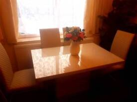 New Extendable Dinning table with 6 chairs