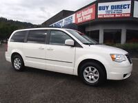 2010 Chrysler Town & Country Touring - Full Stow & Go