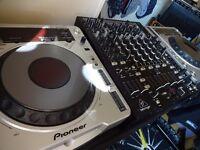 Pioneer CDJ800s + Behringer NOX606 Mixer
